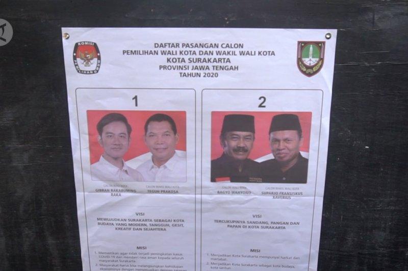 Dua Calon Wali Kota Solo datangi TPS Rabu pagi