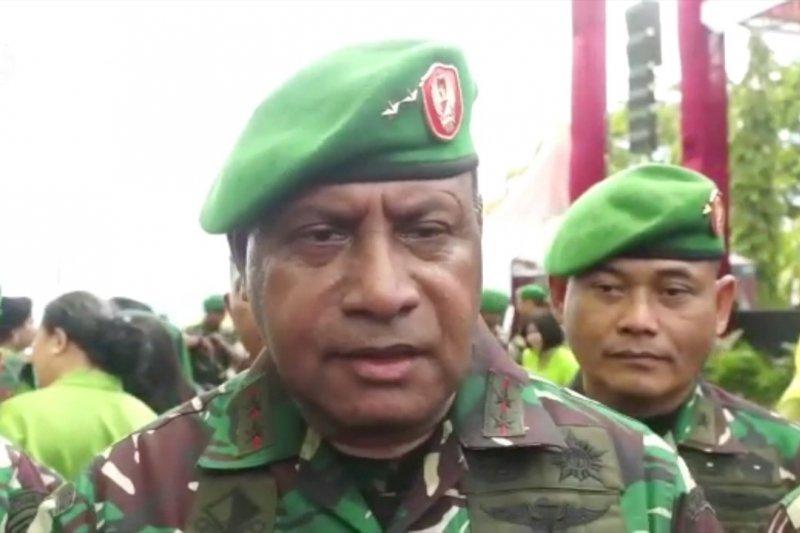 Wakasad Letjen TNI Herman Asaribab meninggal dunia
