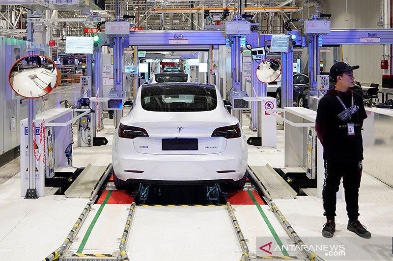 Kemarin, penjajakan kerja sama dengan Tesla hingga subsidi listrik