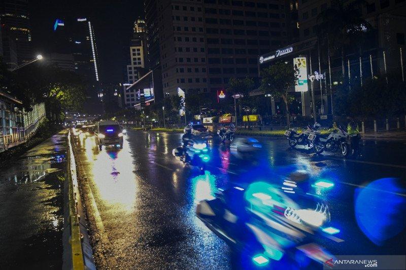 Sepekan, kendaraan wajib uji emisi hingga pesan Anies di tahun 2021