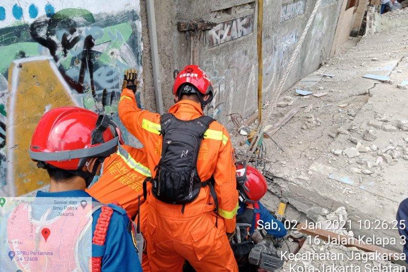 Marbot masjid tewas tertimpa tembok di Jagakarsa