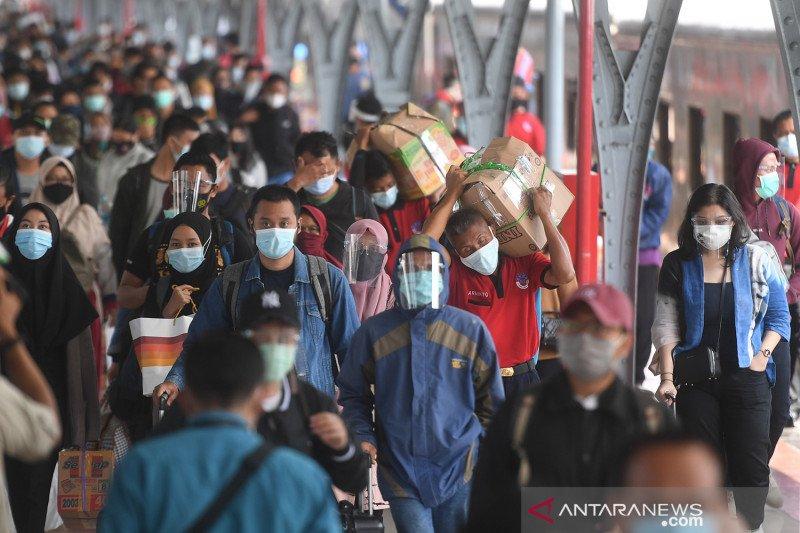 Arus balik liburan Natal dan Tahun Baru penumpang KA di Jakarta