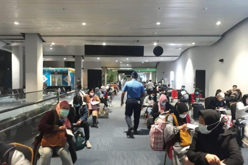Karantina penumpang internasional di Soekarno-Hatta lancar