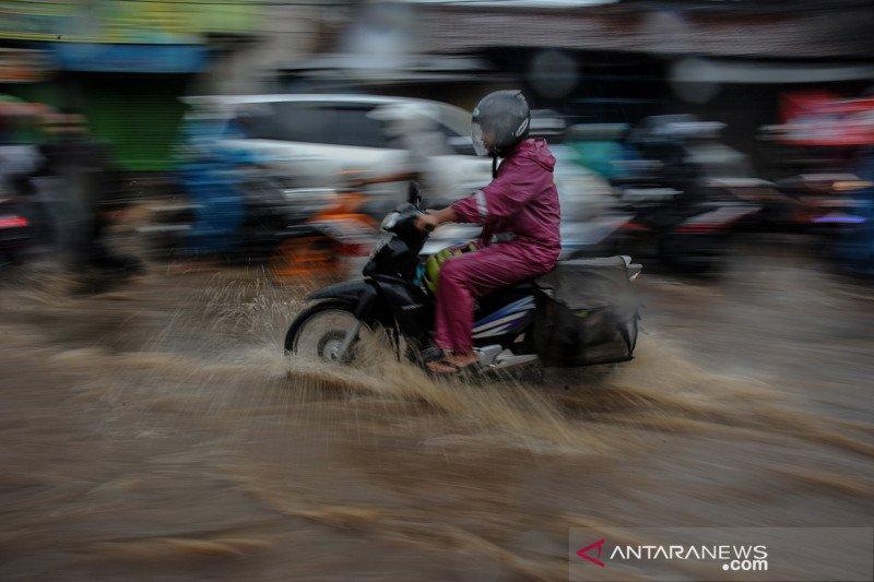 Banjir akibat drainase buruk di kabupaten Bandung