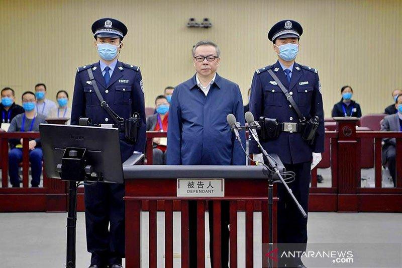 Mantan dirut pengelolaan aset China dijatuhi hukuman mati