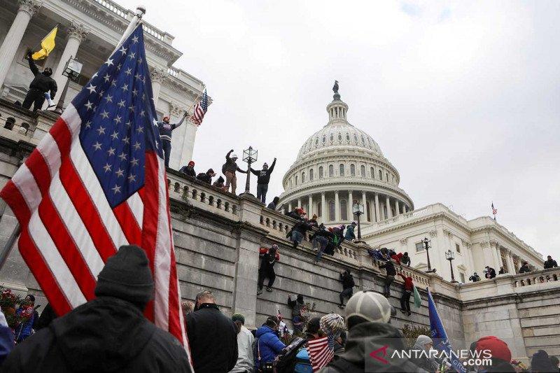 Perusuh di Capitol diblokir dari aplikasi kencan online