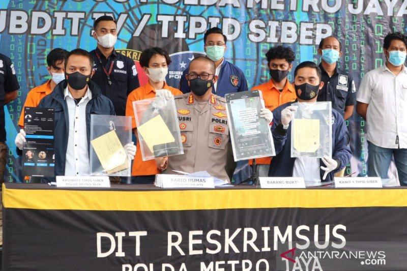 Polda Metro Jaya tangkap tiga pemalsu surat tes usap PCR