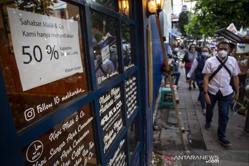 antarafoto pembatasan kapasitas restoran 08012021 dr 02