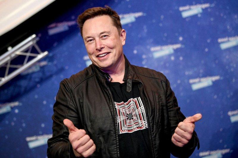 """CEO Tesla Elon Musk akan pandu """"SNL"""" bareng Miley Cyrus"""