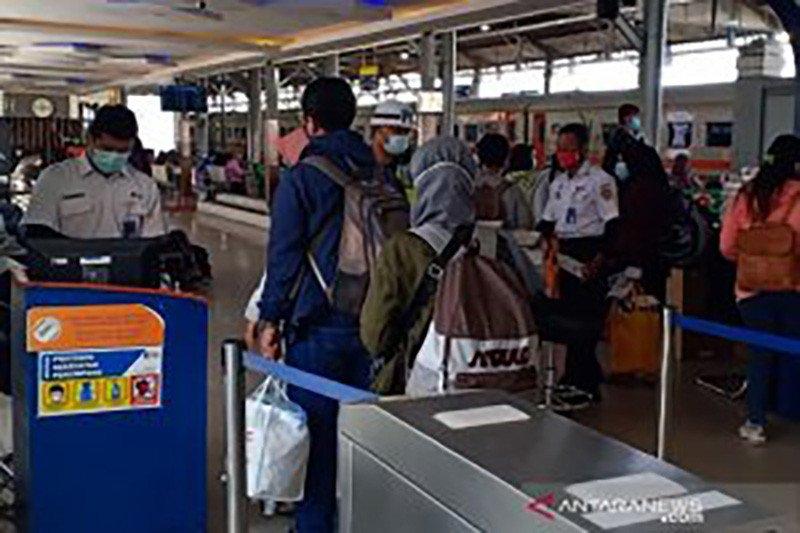 KAI layani 628.603 penumpang selama libur Natal dan Tahun Baru