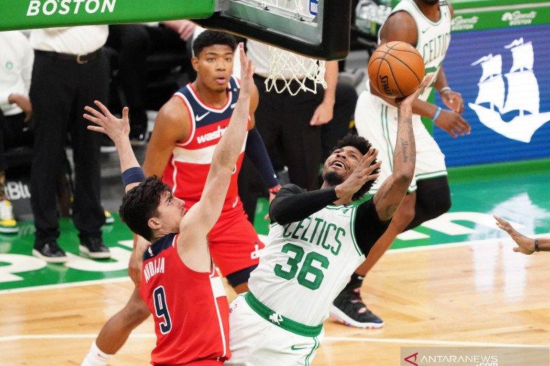 Marcus Smart diskors satu pertandingan oleh NBA karena mengancam wasit