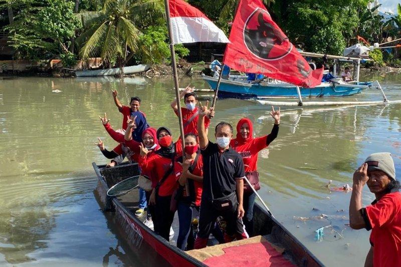 PDIP Mataram bersihkan Kali Jangkuk di HUT ke-48