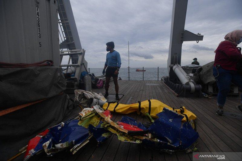 Menhub puji tim gabungan pencarian Sriwijaya SJ-182