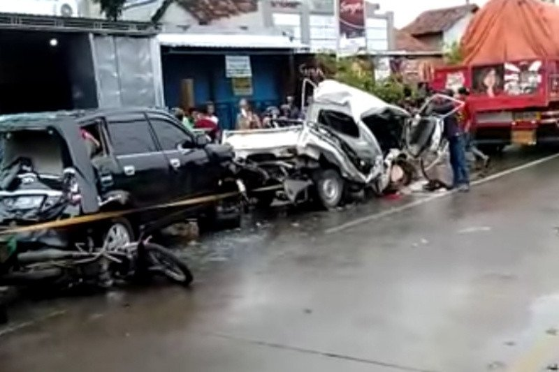 Kecelakaan beruntun terjadi di Jalan Lingkar Kudus akibatkan enam luka