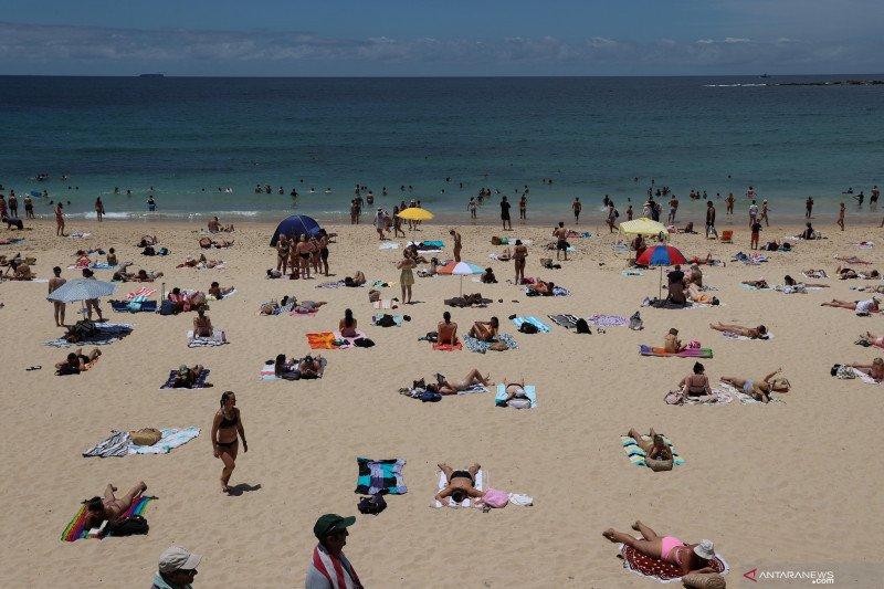 Warga Sydney ramai kunjungi Coogee Beach