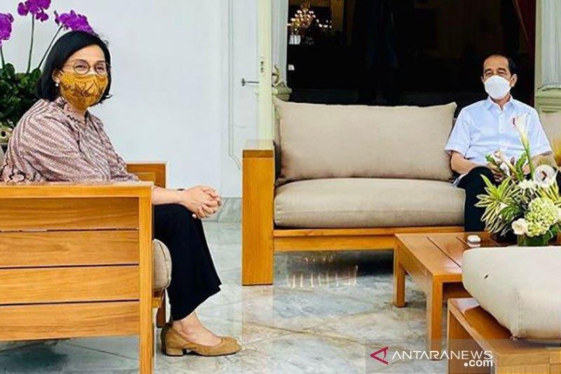 Usai vaksinasi, Jokowi bertemu Sri Mulyani dan Erick Thohir bahas LPI