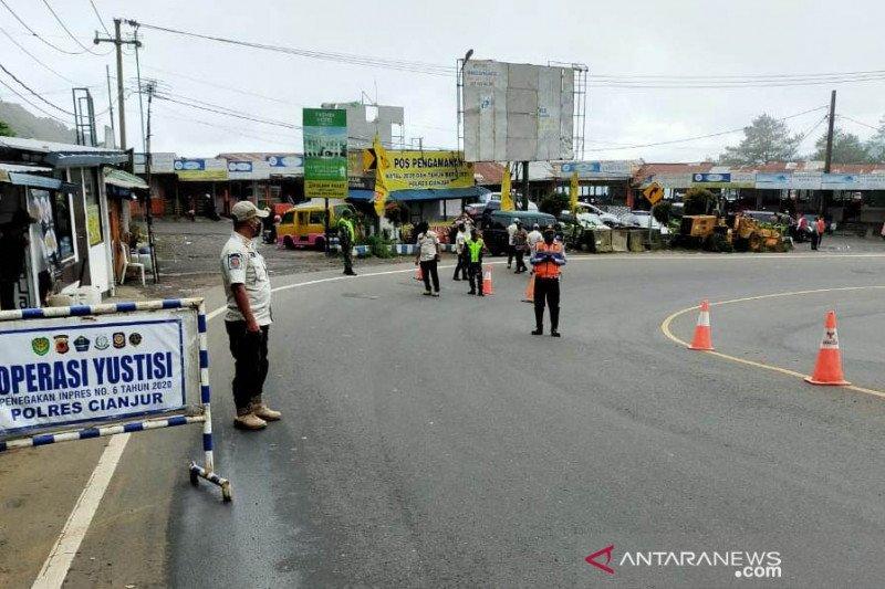 Satgas COVID-19 Kabupaten Cianjur pulangkan kendaraan pendatang