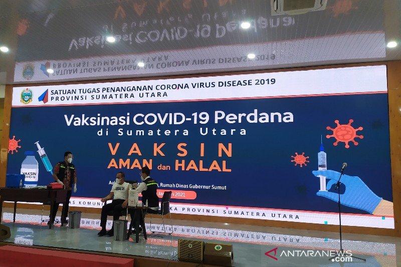 Gubernur Edy Rahmayadi mengawali vaksinasi COVID-19 di Sumut