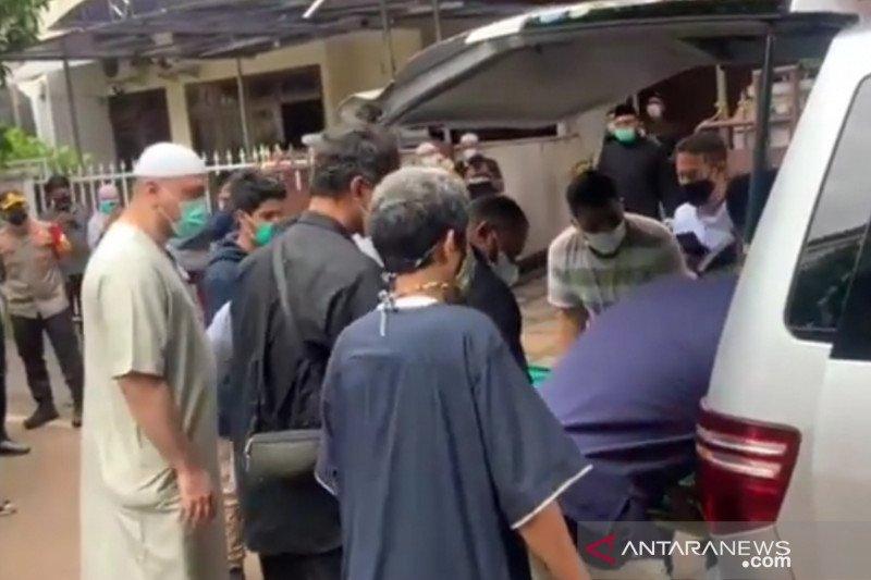 Jenazah Syekh Ali Jaber disemayamkan di rumah duka Pulogadung