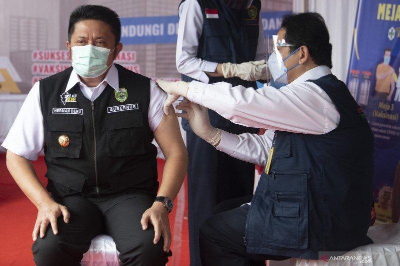 Gubernur Sumsel pastikan vaksin aman, masyarakat tidak ragu