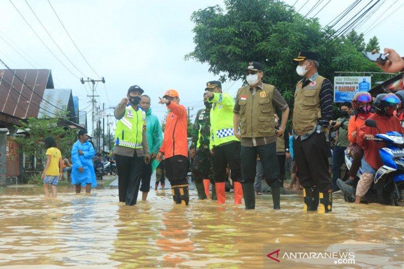 Banjarbaru dan Hulu Sungai Tengah tanggap darurat banjir