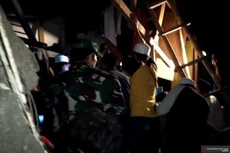 Ponpes di Cipanas-Cianjur roboh, belasan santri tertimpa bangunan