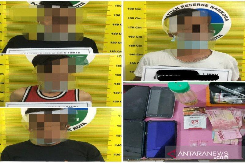 Polres Solok tangkap empat pelaku penyalahgunaan sabu-sabu