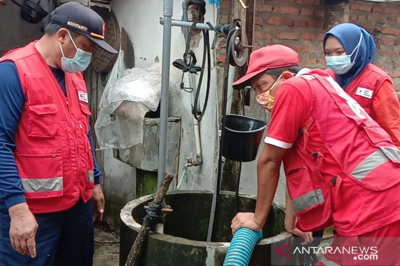 PMI normalisasi sumur pascabanjir di Jember