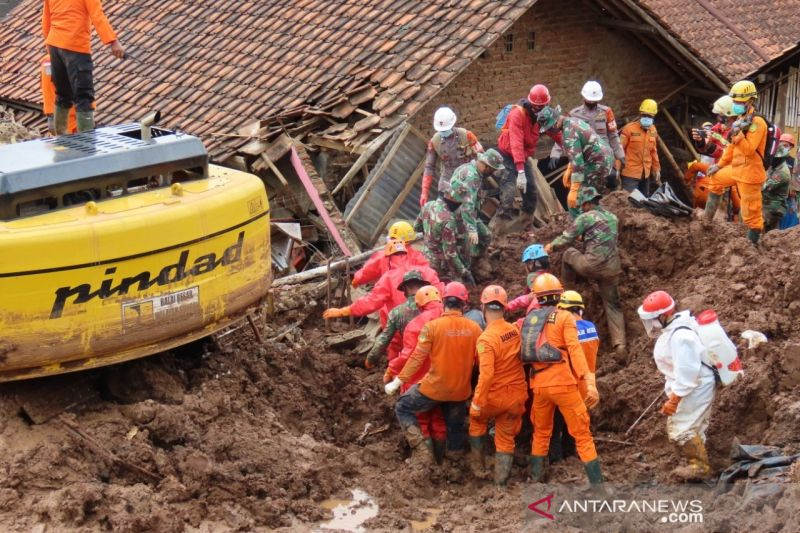Tim SAR rilis identitas 25 korban tewas longsor Sumedang