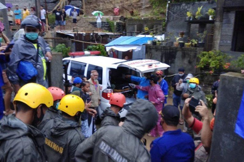 Lima orang meninggal akibat longsor di Manado