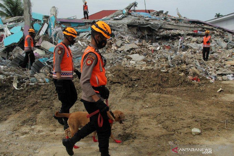 Tim SAR terus sisir pencarian korban terjebak reruntuhan gempa Mamuju