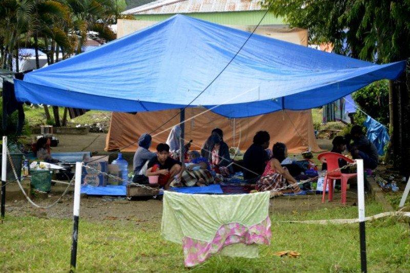 BNN Sulsel serahkan bantuan kebutuhan pokok untuk warga Sulbar