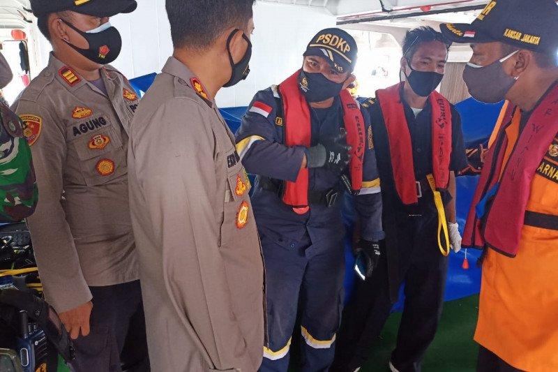 Kapal pengawas perikanan KKP temukan bagian pesawat SJ 182