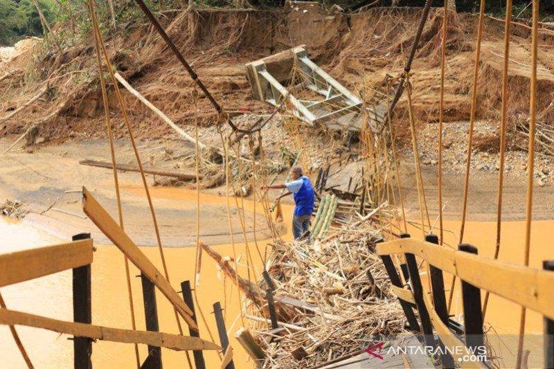 Ratusan rumah hilang akibat banjir di Hulu Sungai Tengah, Kalsel