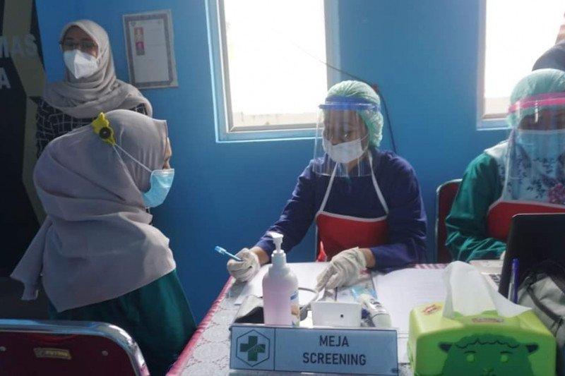 280 nakes Ambon jalani vaksinasi COVID-19