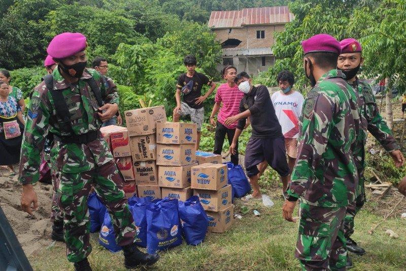 Satgas Bencana TNI AL distribusi bantuan ke posko pengungsian