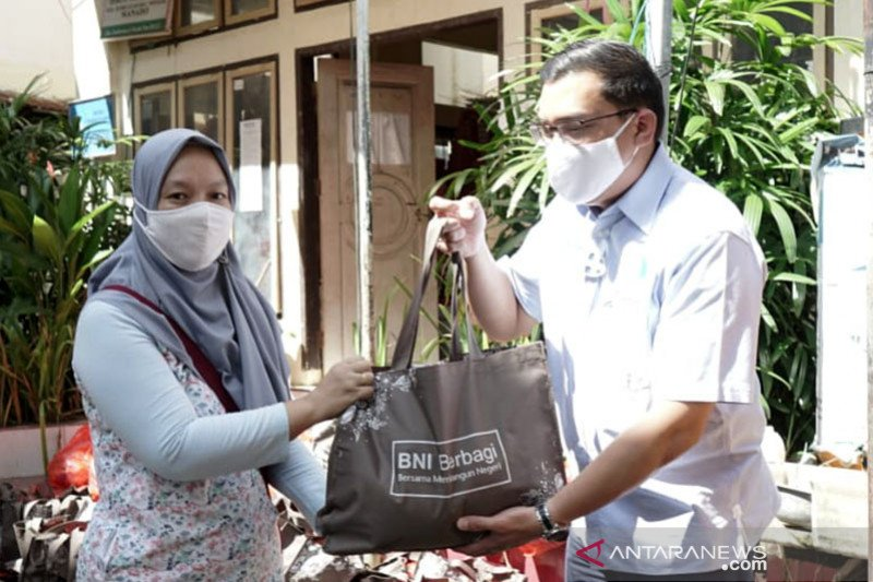 BNI salurkan bantuan korban bencana di Sulawesi Utara dan Jawa Barat