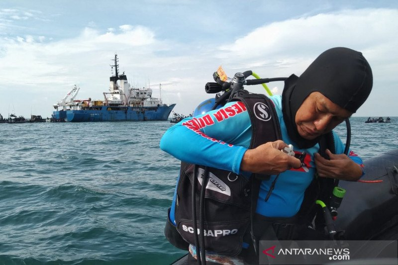 """""""Pemuda"""" 60 tahun di antara penyelam dalam operasi SAR SJ-182"""