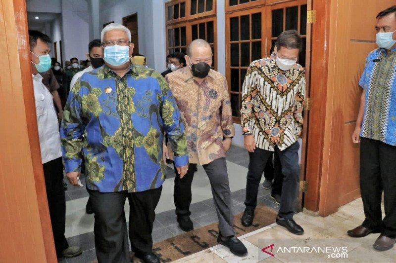 Ketua DPD apresiasi Gubernur Sultra dorong pemanfaatan aspal Buton