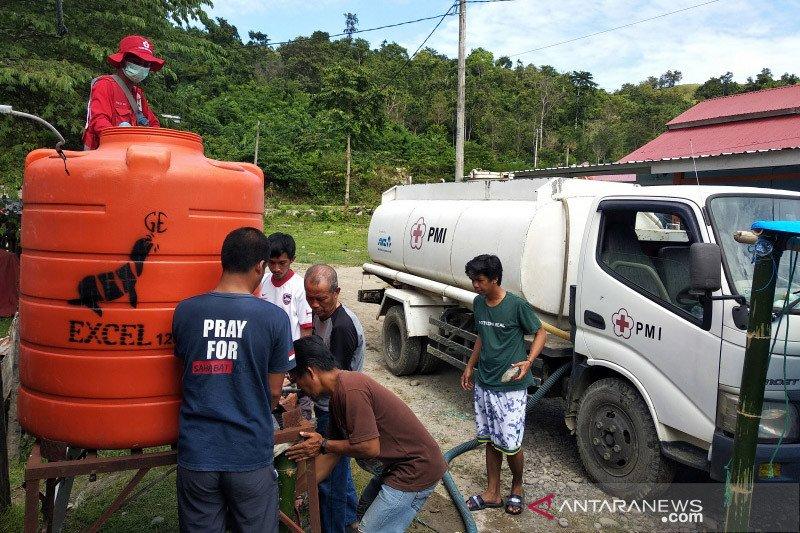 PMI Sulsel distribusi air bersih ke pengungsi korban gempa di Mamuju