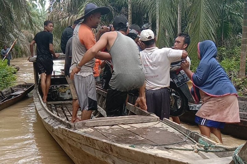 Ratusan warga pedalaman Aceh Timur mengungsi akibat banjir