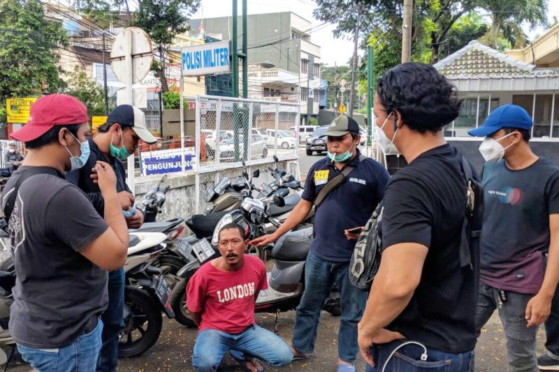 Polisi tangkap penganiaya pencuri kambing di Jakarta Selatan
