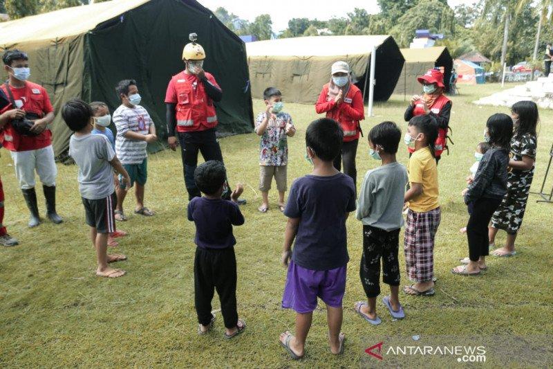 Relawan PMI kembalikan keceriaan anak penyintas bencana gempa Sulbar