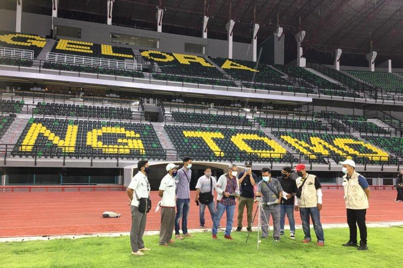 Pencahayaan Stadion GBT Surabaya di atas standar FIFA