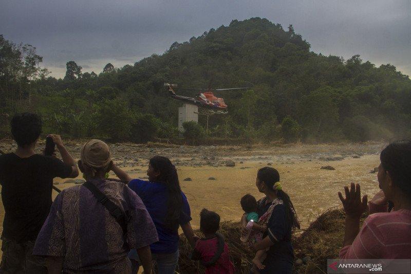 Distribusi bantuan korban banjir di pedalaman