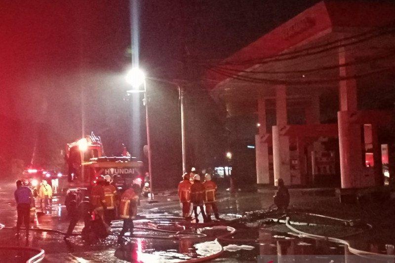 Terjadi lima kali ledakan di kawasan SPBU Margomulyo Surabaya