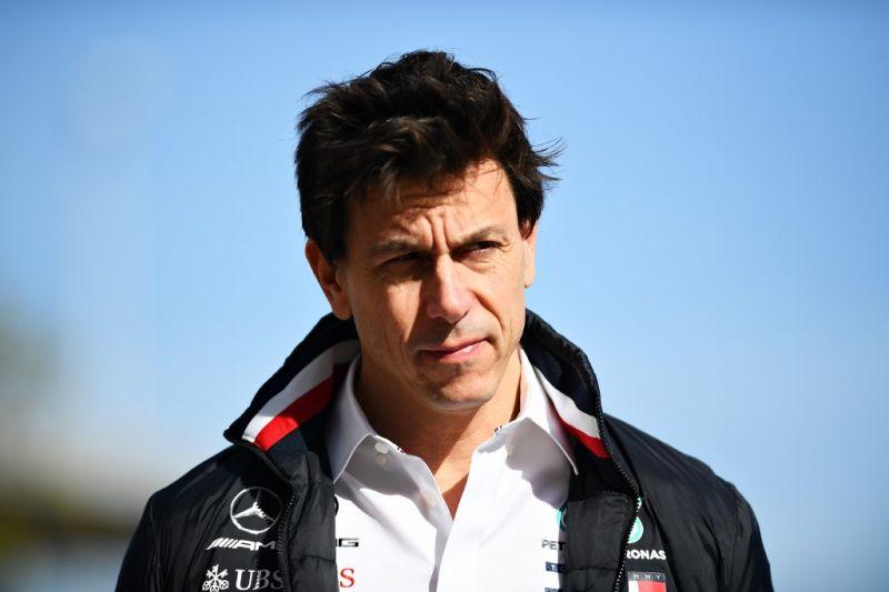 Bos tim Mercedes dikarantina karena positif COVID-19