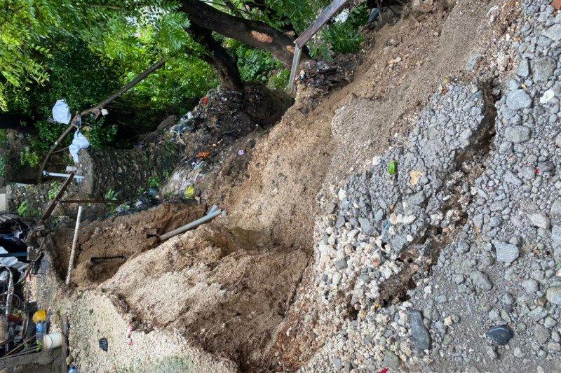 Dua warga meninggal akibat tanah longsor di Kota Kupang