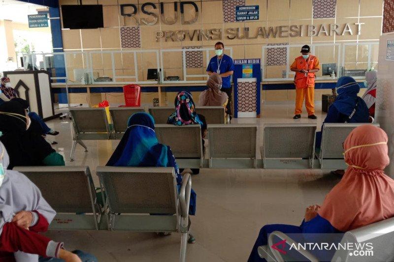 Tim EMT UB-RSSA promosi kesehatan di pengungsian Mamuju