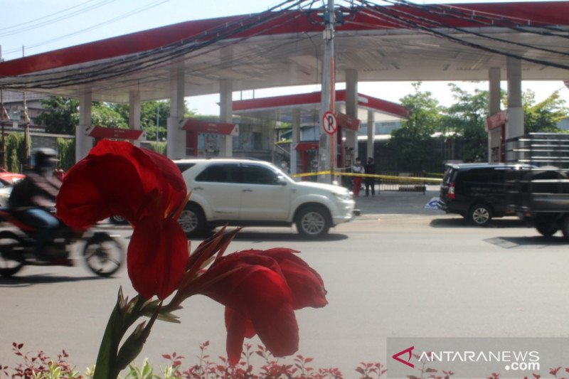 Polisi duga ledakan sekitar SPBU Margomulyo kebocoran konstruksi